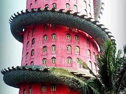 世界上最霸气的寺庙 外围被一条巨龙盘绕