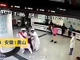 24岁女导医背130斤病患冲进急诊室 为生命争取每一秒钟