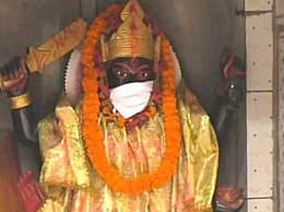 印度给神像戴口罩 新德里宣布进入公共卫生紧急状态