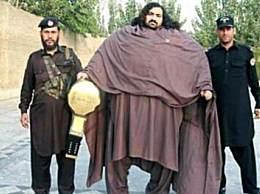 世界上最强壮的人 单手举重180斤力大无穷