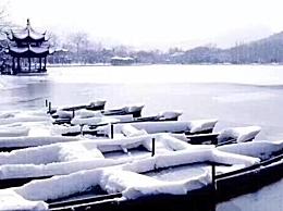 描写冬天的4字成语
