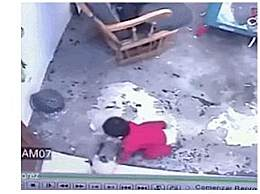 家猫出爪救1岁男孩 幸得家猫相救男孩躲过一劫