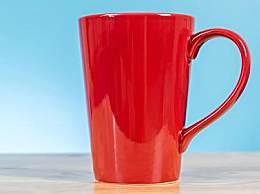 变色马克杯能喝水吗?变色杯子喝水有什么危害