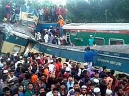 孟加拉国火车相撞致15死40伤 车厢破碎现场惨烈