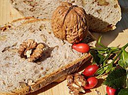 多吃核桃延缓衰老 哪些人不适合多吃?