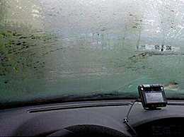 车窗玻璃起雾的原因以及解决办法