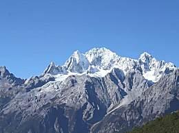 玉龙雪山游览自在行好仍是跟团好?哪一种更划算?