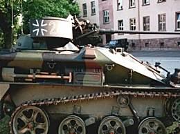 世界上最小的坦克 仅有2.75吨重