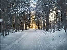 哈尔滨教堂雪后美如童话 这些还能下几天?