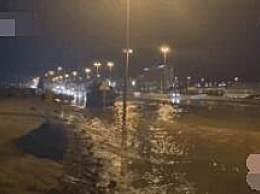 人工降雨引发暴雨 致迪拜全城多道路瘫痪