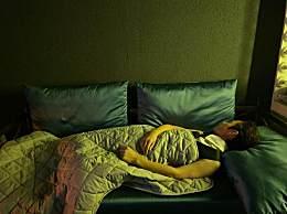 何炅睡三个小时就够了是什么意思 何炅发文辟谣