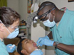 补的牙齿能用多久?主要取决于哪些因素