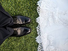 结婚纪念日是领证日还是婚礼日?结婚纪念日怎么过比较好