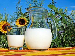 羊奶粉是黄色好还是白色好 挑选优质羊奶粉的4个标准