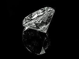 施华洛世奇算什么档次?施华洛世奇水晶是真的吗