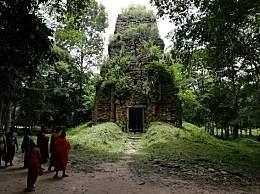 柬埔寨一寺庙坍塌20余人被埋 建筑坍塌如何自救?