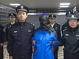厦门警方将劳荣枝移交 劳荣枝移交南昌警方现场