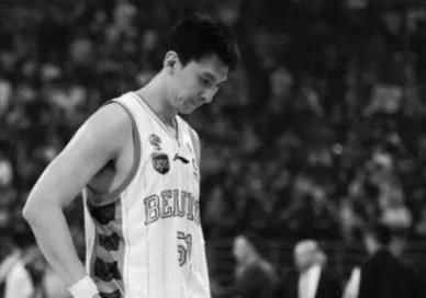 男篮球员吉�慈ナ� CBA前队长肺癌去世粉丝痛哭
