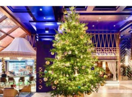 全球最贵圣诞树 价值1190万英镑镶满钻石