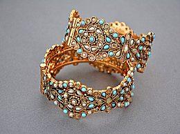 黄金手镯应该戴在哪只手好?黄金手镯戴几只