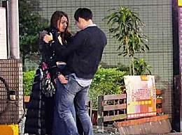 陈绮贞与神秘眼镜男街头热吻 两人事后回到女方住处