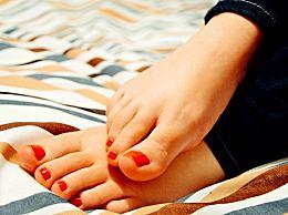 艾草泡脚能减肥吗?艾草泡脚的功效及用法