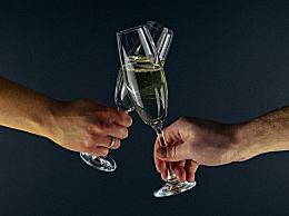 喝酒多了胃难受 酒后胃痛吃4种食物立刻见效