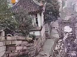 苏州十全街附近塌陷 仿古长廊下沉墙壁开裂