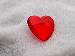 适合下雪天发的文字句子 朋友圈发雪景配一句话文案