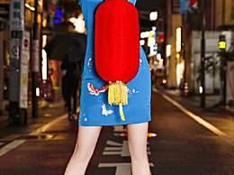 迪丽热巴蓝色旗袍 尽显好身材和美腿