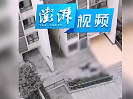 重庆一七旬男子跳楼砸中路人 两人都已离世