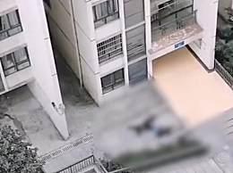 重庆一男子跳楼砸中路人 二人当场死亡