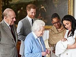 英女王表示尊重哈里夫妇决定 声明中直呼两人名字