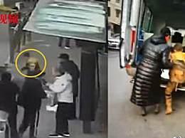 西宁地陷最新消息 西宁路面塌陷救人少年被救出