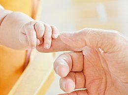 人口出生率再创新低 人口老龄化率再创新高