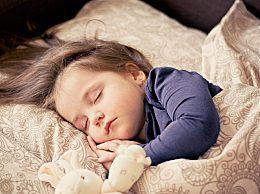 哺乳期能做美甲吗?哺乳期做美甲对婴儿有什么影响