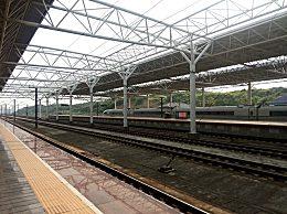 京沪高铁上市首秀 募集资金总额为306.74亿元