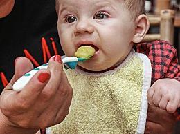 宝宝厌奶期是什么时候?造成宝宝厌奶的原因有哪些
