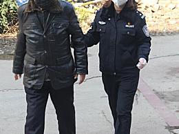 八旬老兵步行捐款万元 给执勤民警购买防护用品