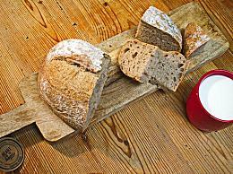 烤面包怎么做?烤面包的温度和时间控制