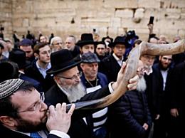 大批犹太人在哭墙为中国祈祷 场面震撼让人感动