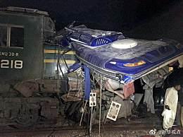 巴基斯坦火车相撞 目前已造成30人死亡11人受伤