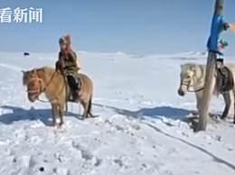 十岁女孩骑马送药 大雪封路亲为姥姥送药看后泪崩