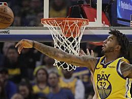 克里斯关键时刻送出一记封盖 NBA常规赛勇士118-114战胜76人
