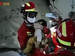 泉州坍塌酒店一名儿童被救出 男童父亲也被成功救出