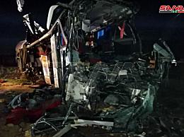 叙利亚交通要道高速公路发生严重车祸 系刹车操作失误