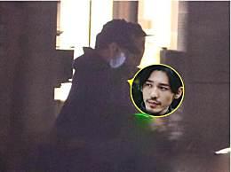 白宇被曝室内吸烟 白宇被曝室内吸烟事情经过现场照片