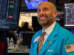 美国三大股指暴涨 涨幅均超9%