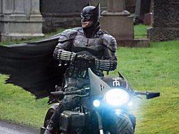 蝙蝠侠宣布停拍两周 密切监视疫情状况