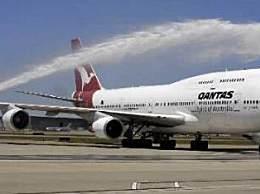 澳航取消国际航班 澳航约2万人短期失业